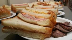 サンドイッチとビーフ